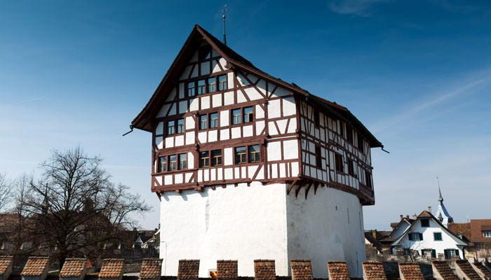 Photograph of House next to Lake at Zug, Switzerland
